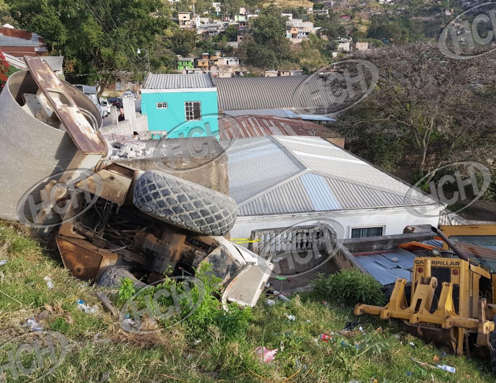 De milagro se salva una familia luego de que equipo de construcción ...