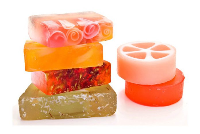 C mo hacer jabones de glicerina decorativos y arom ticos - Hacer jabones de glicerina decorativos ...