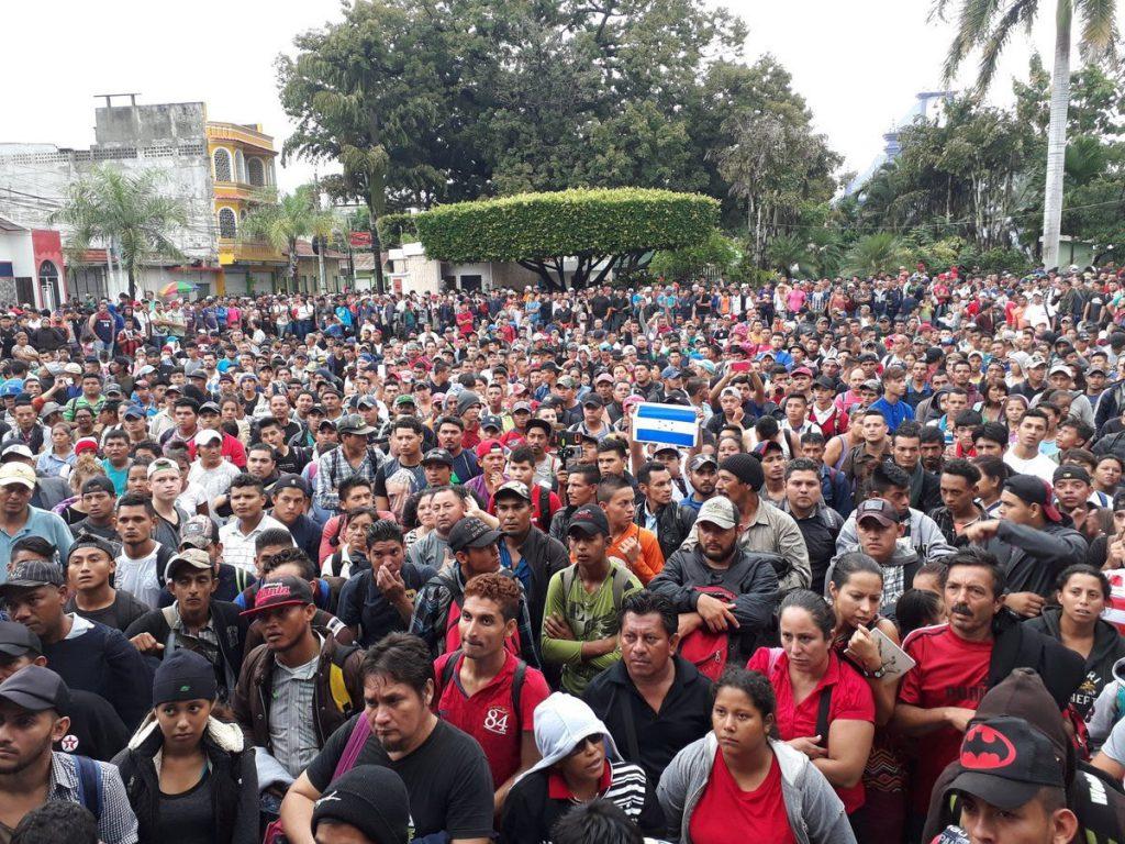 Presidente Hernández contratará transporte para migrantes que deseen regresar al país