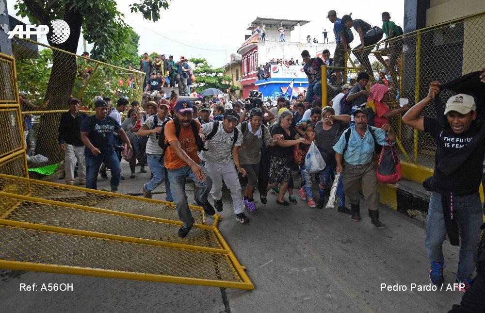 ¡Pasaron a México! #CaravanadeMigrantes ya está en territorio mexicano