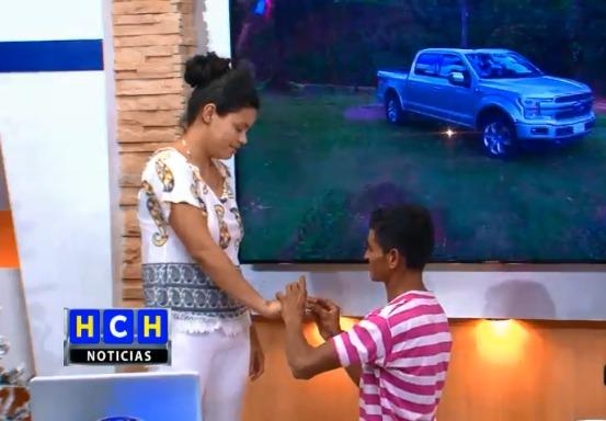 Así fue la sincera propuesta de matrimonio de este humilde hondureño para el amor de su vida